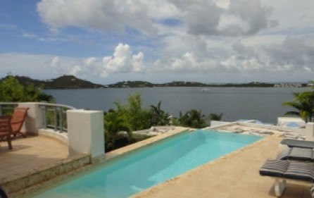 aquamarina-luxury-villa-rental-1