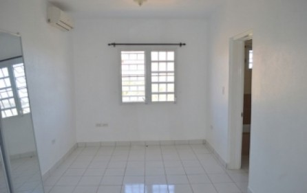 bright-beautiful-apartment-rental-st-maarten-s008-5