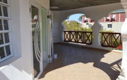 bright-beautiful-apartment-rental-st-maarten-s008-9