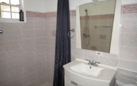 byron-apartment-rental-f034-1