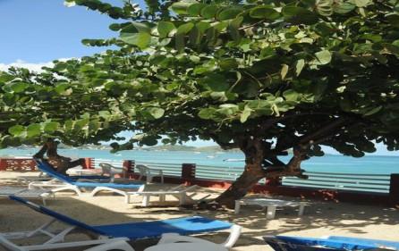 flamboyant-beach-holiday-villa-rental-2