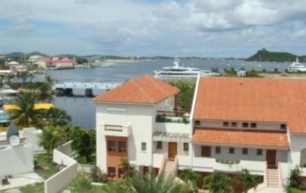 simpson-bay-yacht-club-condo-rental-r333-1