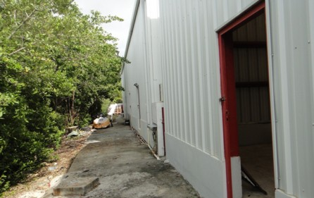st-maarten-cole-bay-warehouse-rental-r340a-3