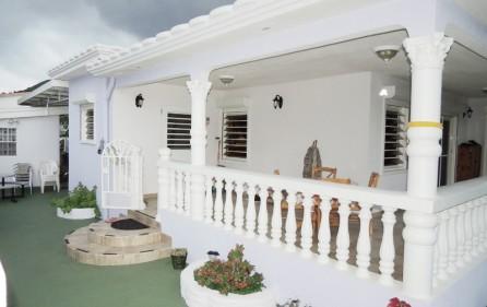 union-farm-home-villa-for-rent-1