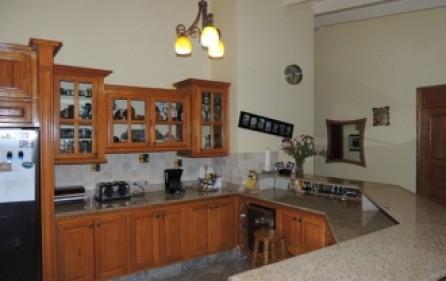 union-farm-home-villa-for-rent-6