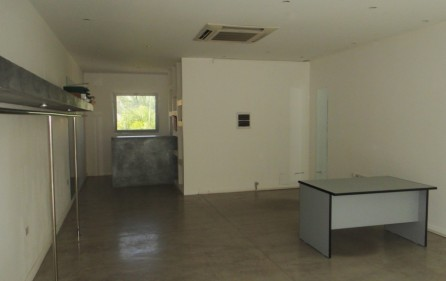 simpson-bay-commercial-space-for-rent-1