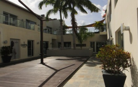 simpson-bay-commercial-space-for-rent-main