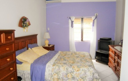 villa-wenz-caribbean-townhouse-for-sale-9