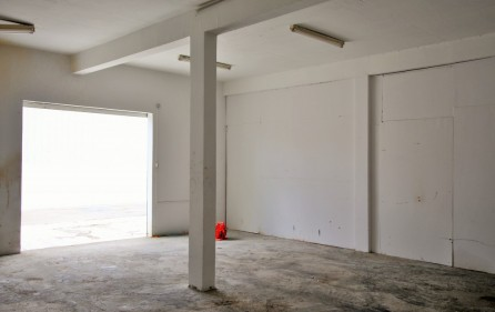 warehouse-lease-in-cole-bay-commercial-lease-2