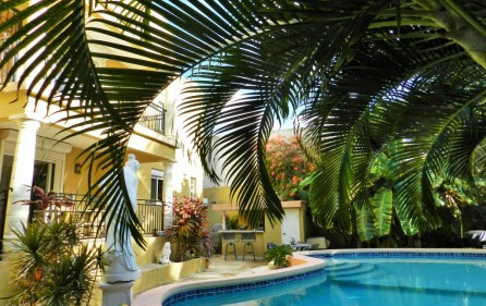 beacon-hill-st-maarten-villa-with-pool-for-sale-1