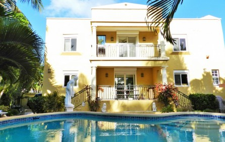 beacon-hill-st-maarten-villa-with-pool-for-sale-4