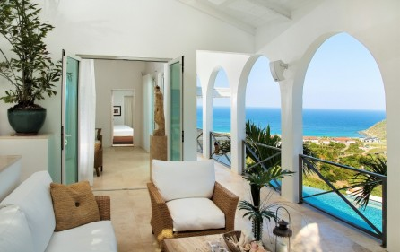guana-bay-luxury-villa-with-infinity-pool-for-sale-1