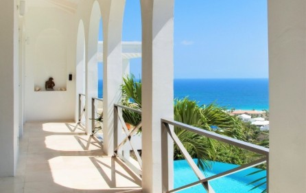 guana-bay-luxury-villa-with-infinity-pool-for-sale-2