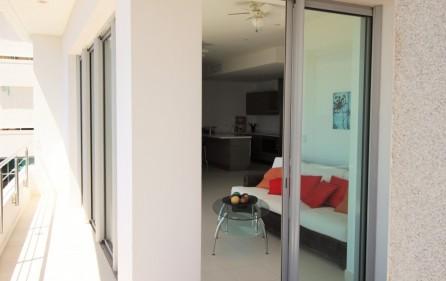 blue-mall-residence-rental-1b-cupecoy-condo-9