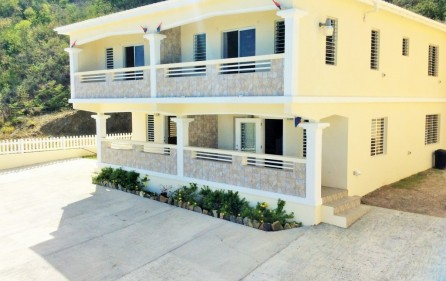 white-egret-claude-estate-condo-townhouse-for-rent-main