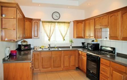 bettys-estate-new-condo-for-sale-main-1