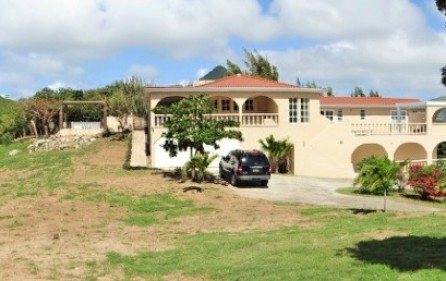 cay-hill-ocean-views-villa-for-investment-property-2