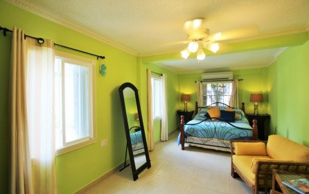 right-on-simpson-bay-beach-villa-for-sale – 10