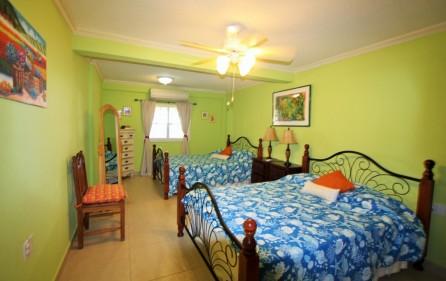 right-on-simpson-bay-beach-villa-for-sale – 12