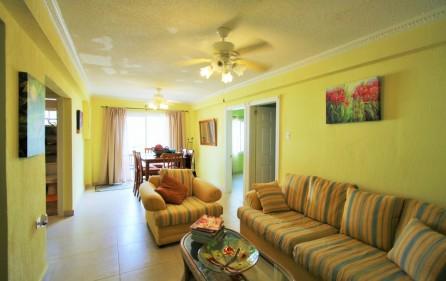 right-on-simpson-bay-beach-villa-for-sale – 13