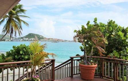 right-on-simpson-bay-beach-villa-for-sale – 1