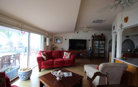 right-on-simpson-bay-beach-villa-for-sale – 5