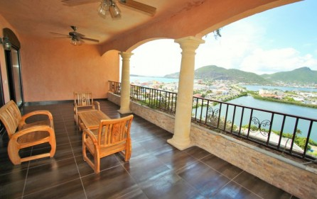 philipsburg-harbour-view-condo-apartment-rental​-1