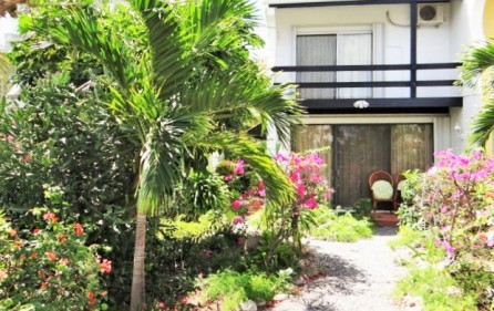 arbor-estates-garden-condo-in-cupecoy-for-sale-1-main