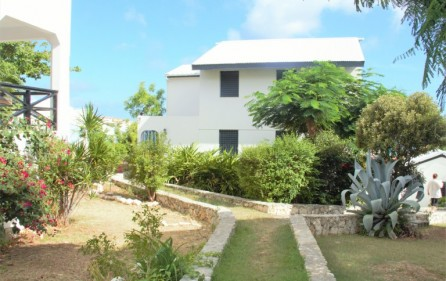 zircon-road-8-condo-for-rent-in-pelican-key-sxm-17
