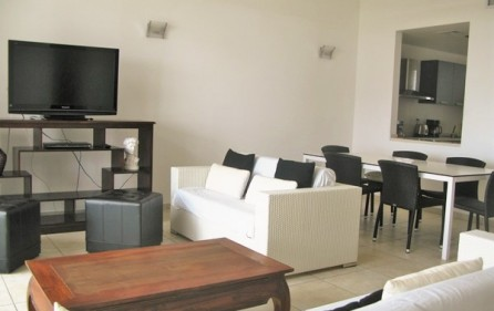 blue-marine-d17-condo-for-rent-in-maho-6