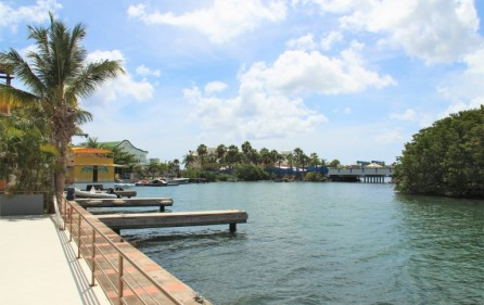 simpson-bay-yatch-club-waterfront-condo-apartment-for-sale-17