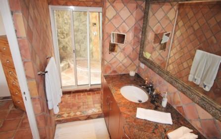 la-brise-large-villa-for-sale-in-oyster-pond-26
