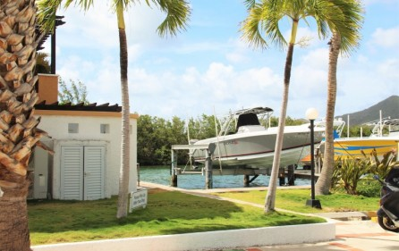 simpson-bay-yatch-club-waterfront-condo-apartment-for-sale-3