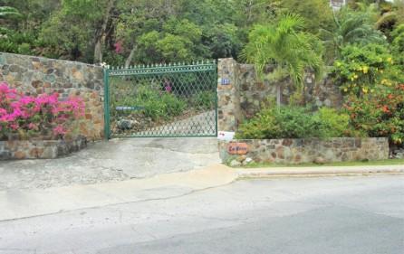 la-brise-large-villa-for-sale-in-oyster-pond-34