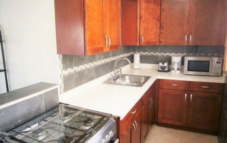 baywatch-condo-at-beacon-hill-for-rent-12