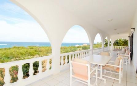 serenata-island-harbour-sea-rocks-villa-for-sale-5
