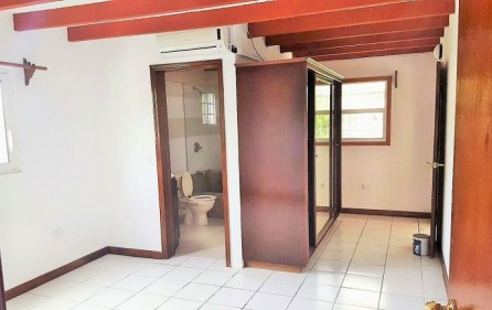 raspberry house for rent in stpeters 06