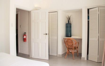 white stone condo rental in pelican key sxm 12