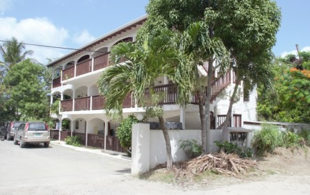 zozo-apartment-building-in-colebay-for-investment-3