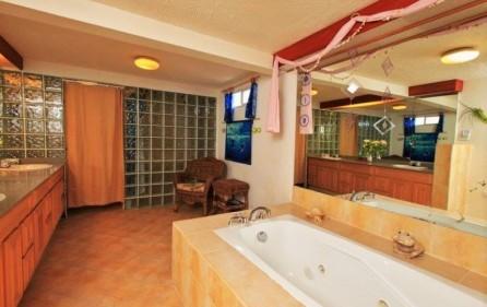 seaside retreat caribbean villa in beacon hill 14
