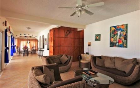 seaside retreat caribbean villa in beacon hill 4