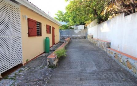 cole bay cozy villa for sale 10
