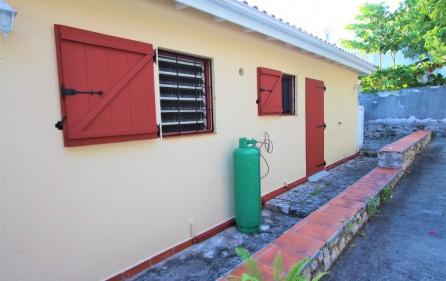 cole bay cozy villa for sale 9