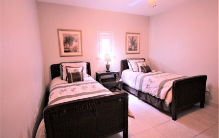 rainbox towers condo in cupecoy for rent 10