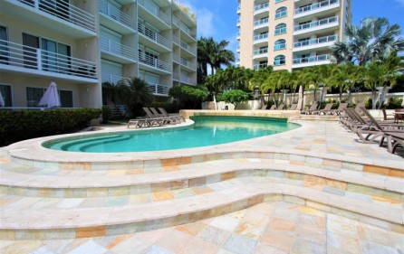 rainbox towers condo in cupecoy for rent 1