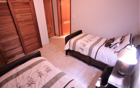 rainbox towers condo in cupecoy for rent 11
