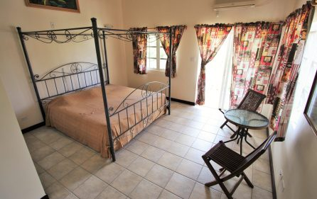 cayhill large family villa for long term rent 14