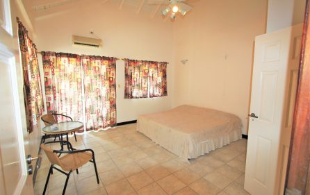 cayhill large family villa for long term rent 16