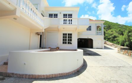 cayhill large family villa for long term rent 6