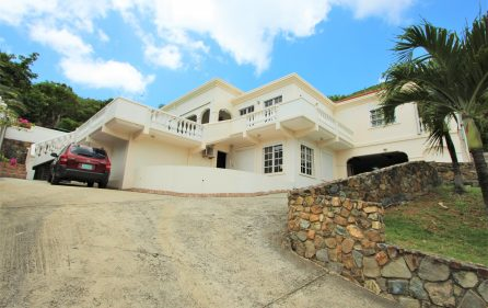 cayhill large family villa for long term rent 7